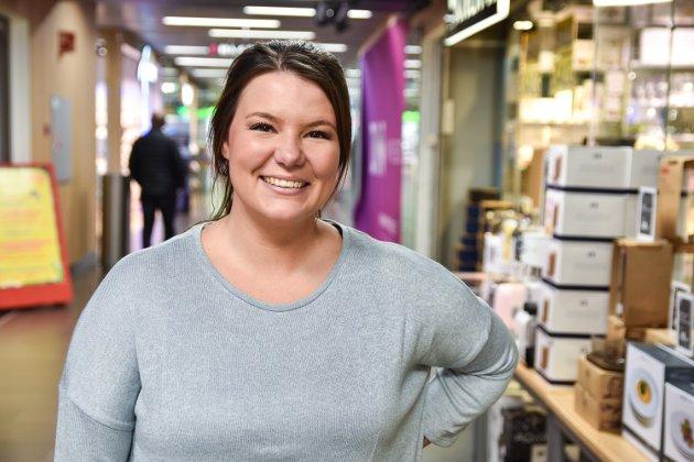 PARTY: – Jeg skal til Oslo i 30-årslaget til søskenbarnet mitt. Han har leid et lokale hvor vi skal feste – jeg gleder meg veldig, sier Andrea Høie (25).