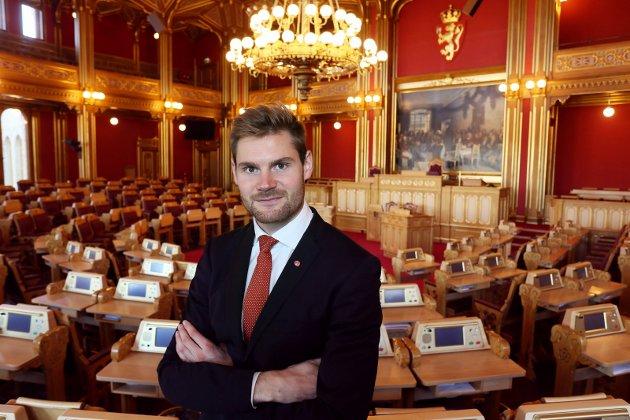 PÅ TINGET: Nils Kristen Sandtrøen (Ap) gikk hardt ut og krevde store endringer. Slik gikk det ikke, han stemte imot.