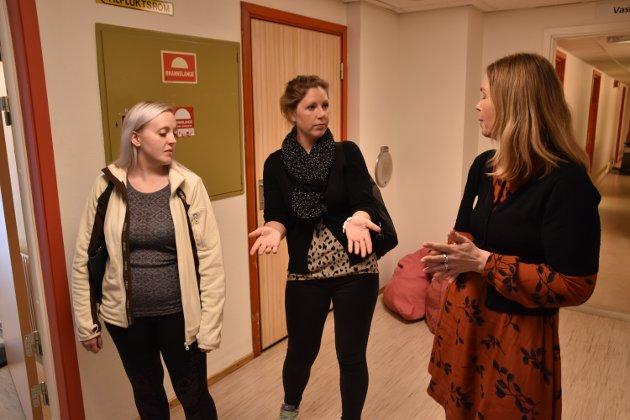 MAT: Her fra 2019 da sjukepleier Ingalill Nordseth og helsefagarbeider Anita Gillerholtmoen ved Ryslingmoen, møtte prosjektleder Turid Windjusveen Olsen i Matgledekorpset Innlandet