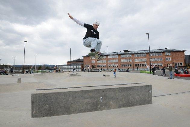 POPULÆRT: Skateparken og anlegget ellers ved Elverum Stadion og Elverum ungdomsskole er en suksess å bygge videre på.
