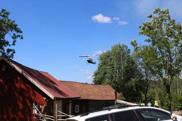 FRA OVEN: Brannhelikopteret ble rekvirert.