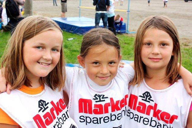 Trekløver: Karoline Dybhavn, Emilie Solomonsen og Malin Johansen Glomsrud (alle 10 år) koste seg på Oshauglekene i 2010.