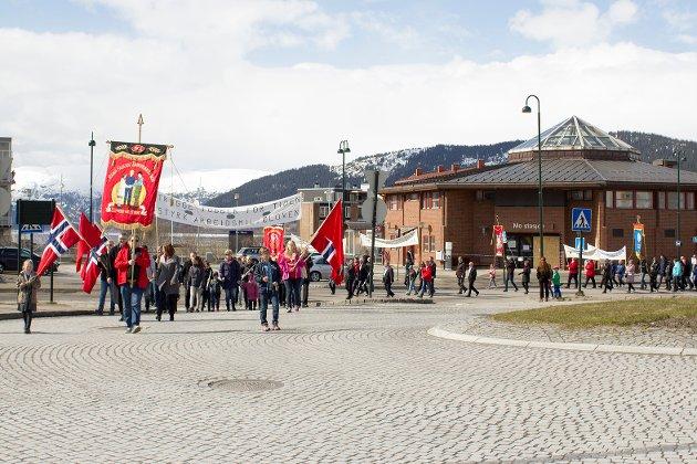 Markering: Mange møtte opp for å gå i tog under årets markering av arbeidernes dag.