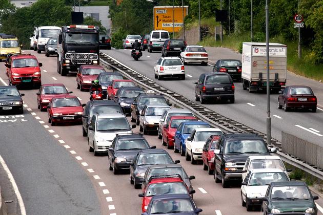 Nullvisjonen: Trafikksikkerhetsarbeidet i Norge skal være basert på en visjon om at det ikke skal forekomme ulykker med drepte og hardt skadde i vegtrafikken – nullvisjonen, skriver Gunnar Grette og Geirr Tangstad-Holdal.