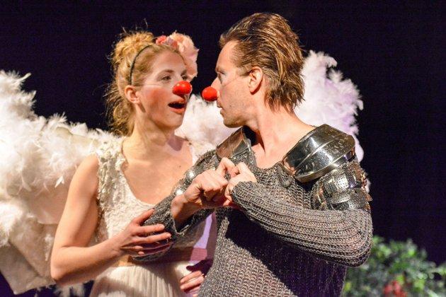 KJÆRLIGHET: Romantikken blomstret for Julie og Romeo, men det utfordringene sto snart i kø.
