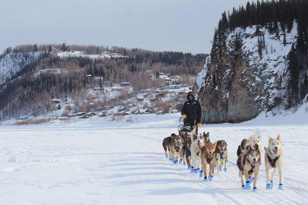 På Yukon River ut fra sjekkpunktet Ruby.