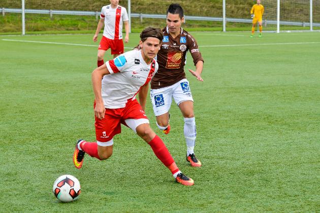 Andreas Sletvold og Mo IL rykker ned til den nye 3. divisjon, det betyr ikke at det blir lokaloppgjør mot Stålkam igjen. Det må Stålkam ta mot Mo 2 i 4. divisjon.