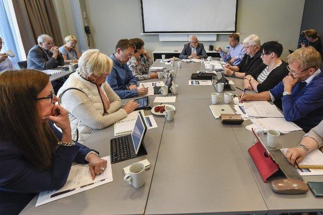 Styremøte: Styret i Helgelandssykehuset arbeider utfra den lovgivning som finnes for helseforetakene og etter oppdrag fra Helse Nord, og rapporterer   til Helse Nord, skriver Per Martin Knutsen.Foto: Øyvind Bratt