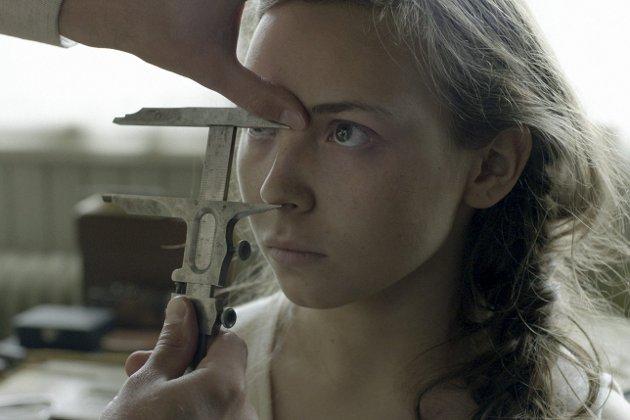SAMEBLOD: Nå 19 år gamle Lene Cecilie Sparrok fra Nord-Trøndelag har med rette blitt hyllet for sin tolkning av Elle-Marja i den sørsamiske filmen Sameblod. FOTO: Pressefoto
