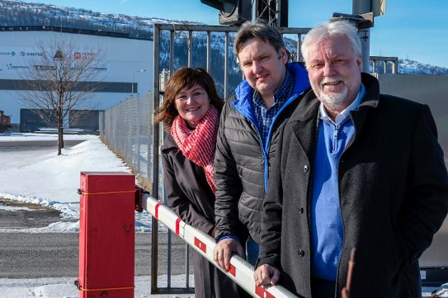 Industrimelding levert for første gang siden 1981. Kai Henriksen, Anita Sollie og Jonny Finstad fra Høyre.