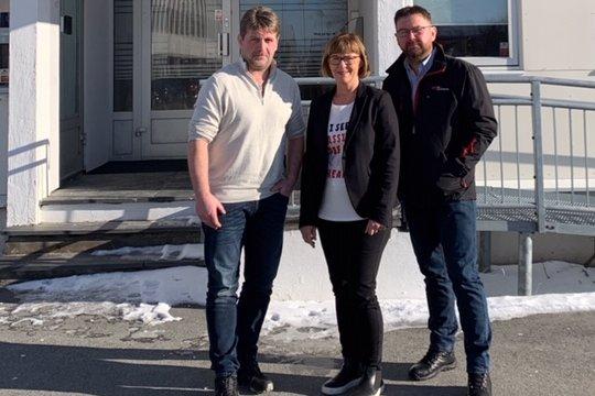 Rita Lekang, Per Christian Brennvik Jackobsen og Tore Jakobsen mener NHO-Nordland er en bremsekloss for lærlingplasser i fylket. - Feil, mener styreleder i NHO-Nordland, Espen Haaland.