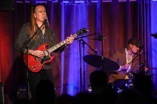 Bjørn Berge og hans Electric band rocket opp Bakeribyggfestivalen med et forykende show.