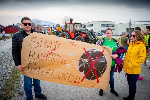 Rana SV vil bruke 1. mai til å kjempe for opprettholdelse av lærerutdanningen på Nesna. Bildet er fra den spontane demonstrasjonen på Nesna mot nedleggelse sist uke.