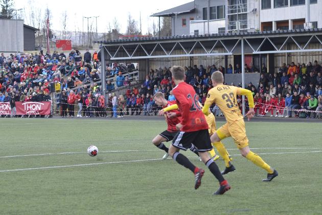 Det ble fest på Hauknes stadion med mange folk som kom for å se Åga IL mot Bodø/Glimt.