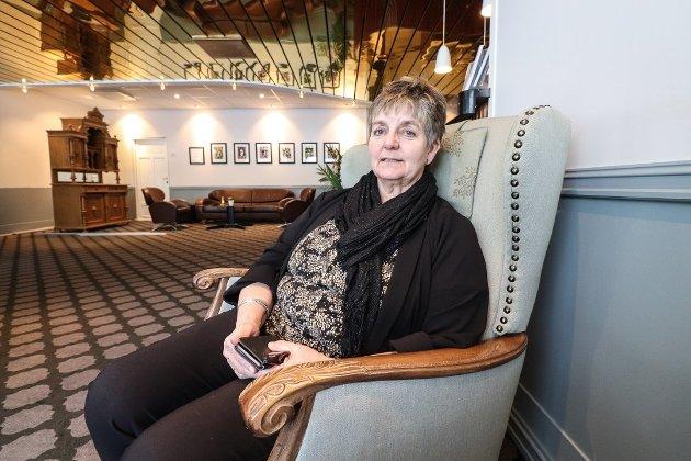 Vefsn-ordfører Berit Hundåla tror ikke en ny storflyplass vil være et gode for Helgeland. Det må hun gjerne tro, men vi tror hun tar feil, skriver Rana Blad i dagens leder.