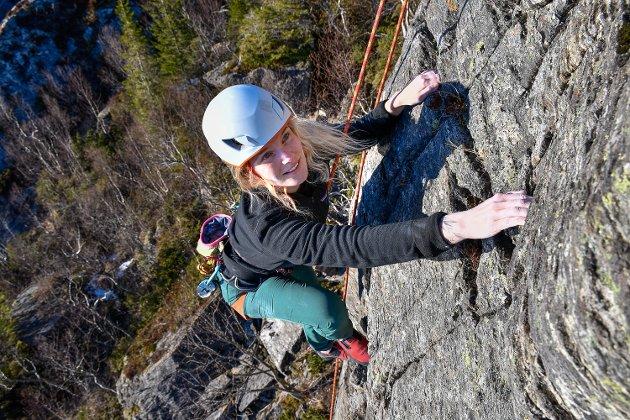 - Fokuset på sikkerhet er alltid størst, jeg vil ikke gjøre noe som er farlig. Men jeg har brukket foten, forteller klatreentusiast Marte Nymo.