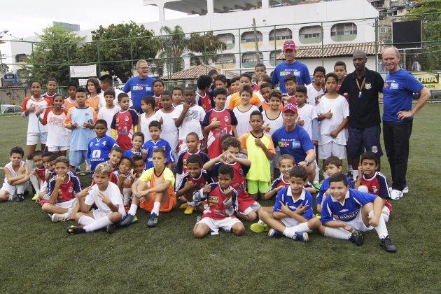 Aid RIO: Eventyret som skulle bli en svært dyrekjøpt erfaring for idrettslederne som ønsket å bidra til at barn fra slummen i Rio skulle få gode opplevelser. Foto: Privat