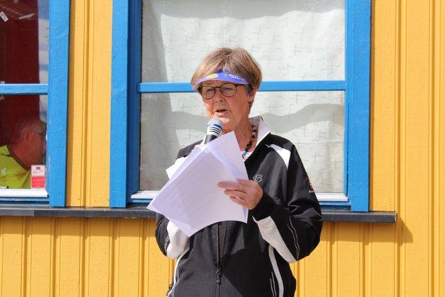 Åpnet: Eva Krogvig stod for den offisielle åpningen av markeringen for Ringsaker idrettsforening 100-årsjubileet.