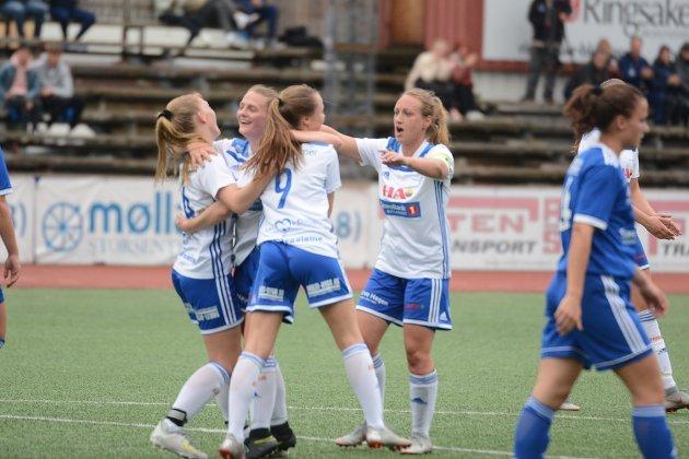 Måljubel: Dala-damene hadde mye å juble for mot Lillehammer.