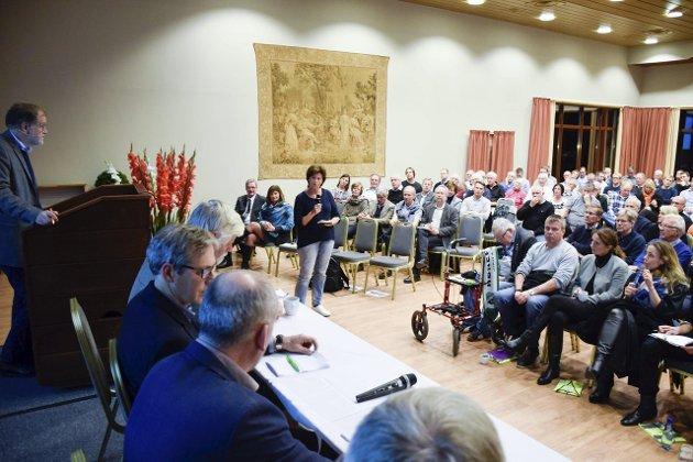 Byutviklingsseminaret var godt besøkt, men stort sett av politikere og forretningsfolk, observerte «kulturhue» Jonas Gythfeldt.