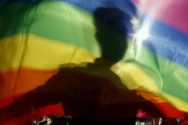 Bildet er tatt under en demonstrasjon for homofiles rettigheter i Vietnam i november i fjor.