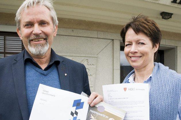 Undersøkelsen: Ordfører Per R. Berger og Agnete Linde i Hole kommune har sendt ut spørsmål.Foto: Knut Andreas Ramsrud