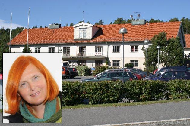 Eva Bekkelund-Eriksen er kritisk til Hole-politikerne.