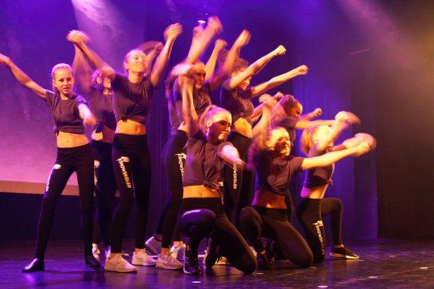 Sceneshowet til danserne var heftig.