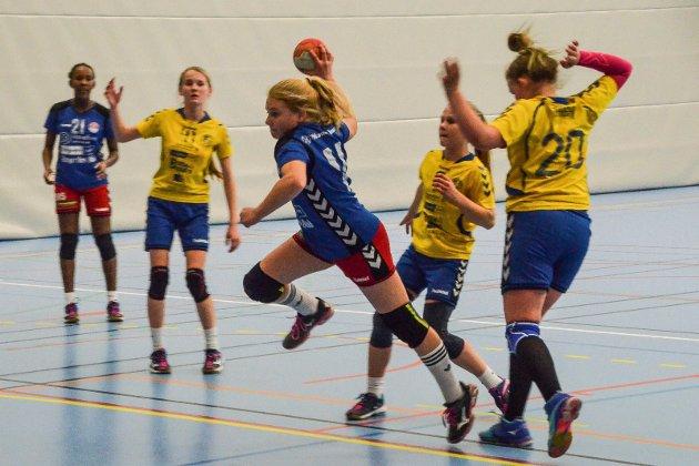 Jenter 12, Ringerikscup. HSK mot Tyristubben