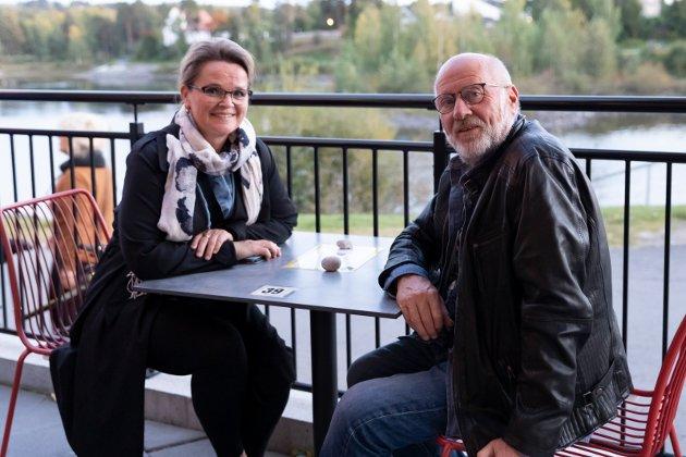 CREEDENCE: Lillian Larson og Sverre Helganger fra Hønefoss skal høre på musikk fra 70-tallet.