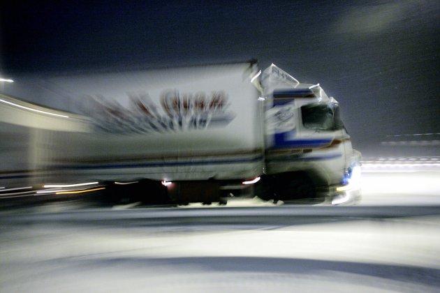 Ikke mye vits i fartsgrense på 110-kilometer i timen når disse lager propper i trafikken