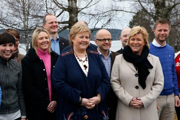 Her er regjeringen samlet under fjorårets budsjettkonferanse som også ble avholdt ved Hurdalssjøen hotell.