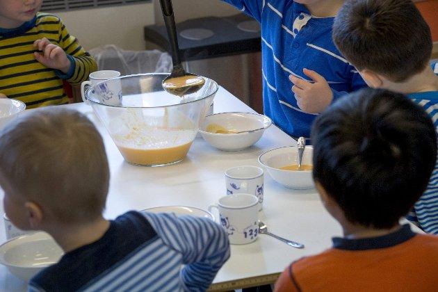 Ressursavhengig: Barnas matopplevelse i barnehagen blir svært forskjellig på grunn av variable forhold. Det vil dessverre ofte være foreldrenes betalingsevne som påvirker kvaliteten på mattilbudet i den enkelte barnehage.Foto: NTB Scanpåix