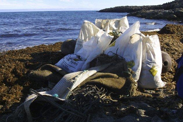 Siste 50 år:  Vi klarte oss i flere hundre tusen år uten plast, så hvorfor vi plutselig må pakke alt inn plast, er for meg uforståelig.Foto: NTB Scanpix