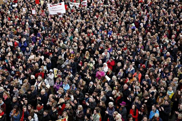 Markering: Kvinnedagen har vært markert som FN-dag siden 1977. Oppslutningen har vært varierende, men med en foreløpig topp i 2014, da dette bildet ble tatt på Youngstorvet – etter politisk uro rundt abortloven. Foto: NTB Scanpix