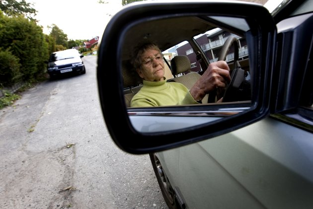 Fortsetter: Innsenderen mener dagens testing av eldre sjåfører  ikke har noen verdens ting med evnene som sjåfør å gjøre. Ap fikk ikke igjennom sitt forslag om å endre ordningen. Illustrasjonsfoto: NTB scanpix