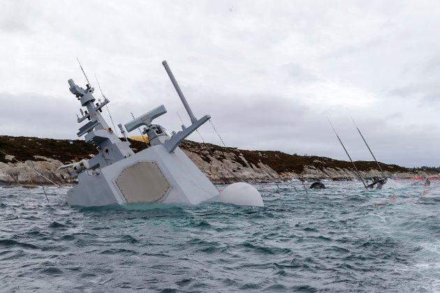 Synkende skip? Innsenderen bruker Helge Ingstad-ulykken som et symbol på alt som ikke er som det skal i det norske samfunnet.