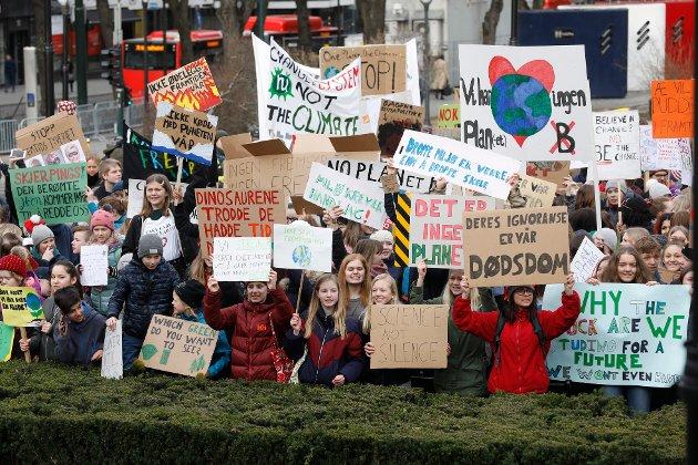 – Kan ikke vente: Når jeg ser og hører ungdommenes engasjement tenker jeg at de har helt rett i at vi ikke lenger kan vente på endring, skriver innsenderen som også kommer med noen ideer om hva vi som enkeltpersoner kan gjøre for miljø og klima.