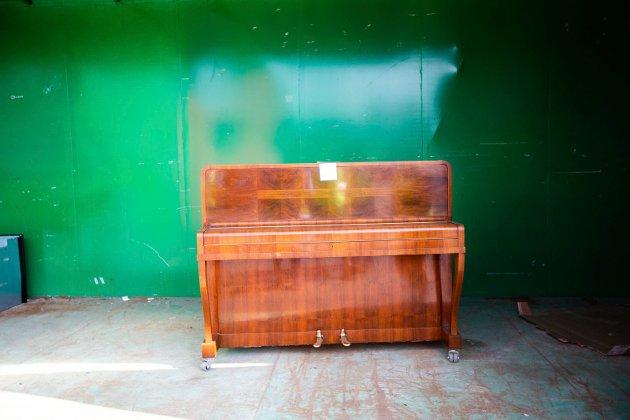 Dette pianoet er 65 år gammelt, eieren fikk det i konfirmasjonsgave.