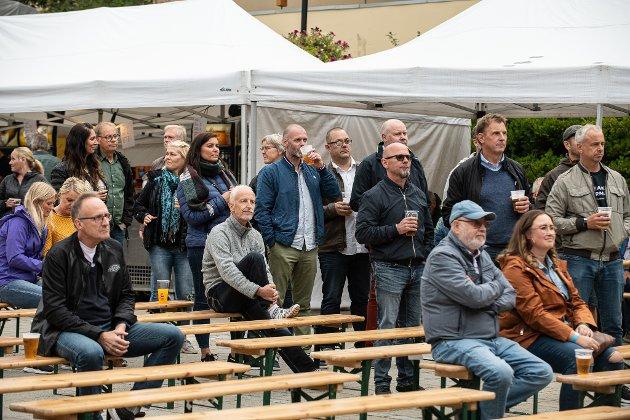 Publikum nyter