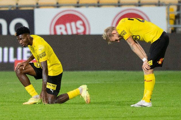 DEPPET: Igoh Ogbu (t.v.) og Gjermund Åsen var som alle andre i gult og svart meget skuffet etter et nytt hjemmetap. RBs kommentator mener at LSK har fått problemer hjemme på Åråsen etter at motstanderne begynte å ta store hensyn til hvordan LSK spiller.
