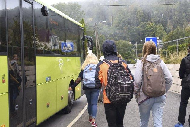 Skal fritt skolevalg over fjorden bli en realitet for Hurumelevene, forutsettes det kollektivtransport gjennom Oslofjordtunellen, mener Anne-Line Bjerknes og Marianne Arctander.