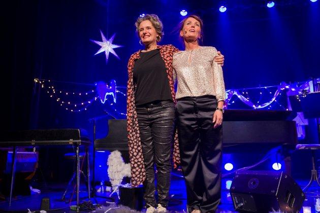Ingrid Bjørnov og Kari Slaatsveen takker for seg etter to dager i Sekkefabrikken