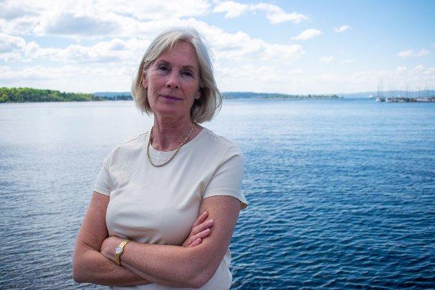 VÆR EDRU I BÅT: - Det kan virke som faremomentene ved promille og båtliv er underkommunisert, sier Elisabeth Fjellvang Kristoffersen.