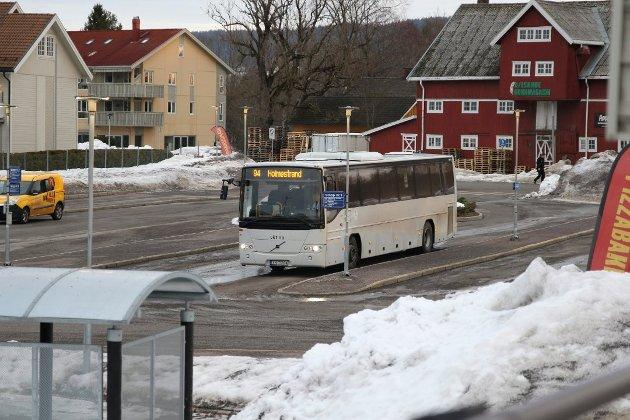 ENDRINGER: Mens noen i Sande har fått bedre busstilbud, er forbindelsen mellom Selvik og Berger nesten utradert.