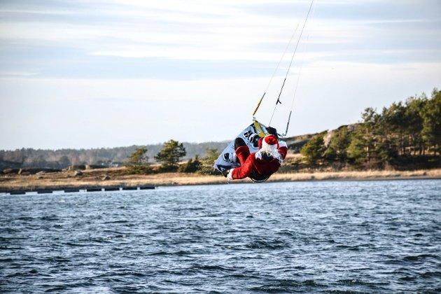 LUFTIG: Helge Risnes hadde akkurat vind nok til å ta av.