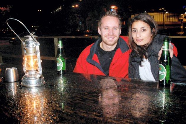 På G: Markus Thoresen og Jenny Hundal er ute fordi det er lørdag.