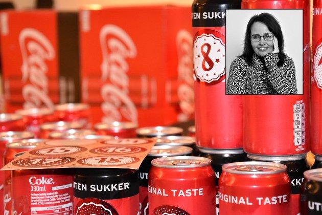 COLA-KALENDER: Sier som Ute til Lunch: «Dette æ'kke promotion, dette æ'kke reklame. Jeg skriver om ting som har skjedd meg, så navna må jeg jo ha med.» FOTO: Bjerkaas/Akselsen