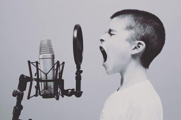 Man må rope høyt for å bli hørt!!
