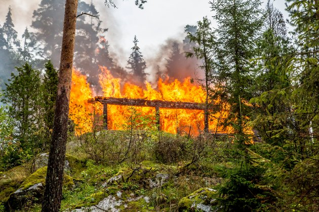 Speiderhytta var overtent da brannmanskapene kom frem til stedet